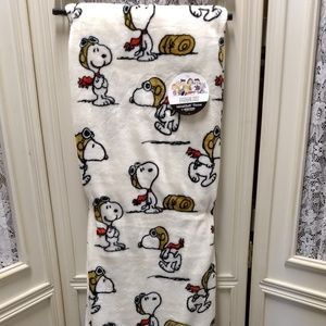 Berkshire Snoopy Flying Ace Blanket Throw NEW